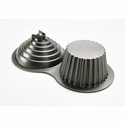 Wilton 3-D  GIANT CUPCAKE PAN Holds 10 Cups of batter NEW