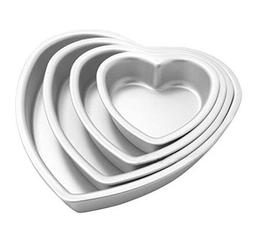 BeneKing 4PC Aluminium Heart Shaped Cake Pan Set with Fixed