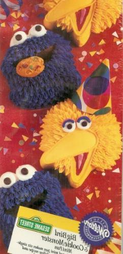 Wilton Big Bird and Cookie Monster Mini Muffin Brownie Cake