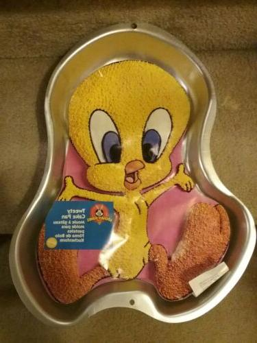 collectable tweety bird cake pan