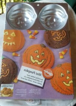 Wilton Mini Pumpkin Cake Pan Of Six
