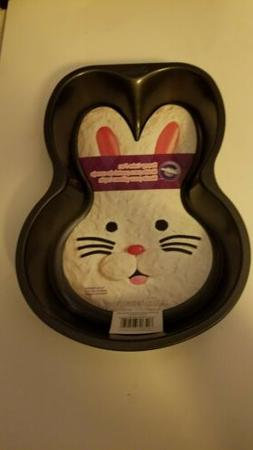 New Wilton Bunny Cake Pan 2105-0651 Heavy Duty Nonstick East